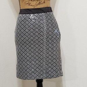 Forever 21• black & white sequin skirt•L👀K!
